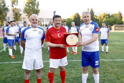 Parlamenterler Spor Kulübü ile EÜ Masterler karşılaştı